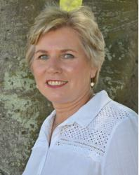 Hanna Joubert , estate agent