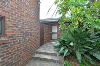 Property For Sale in Hoheizen, Bellville